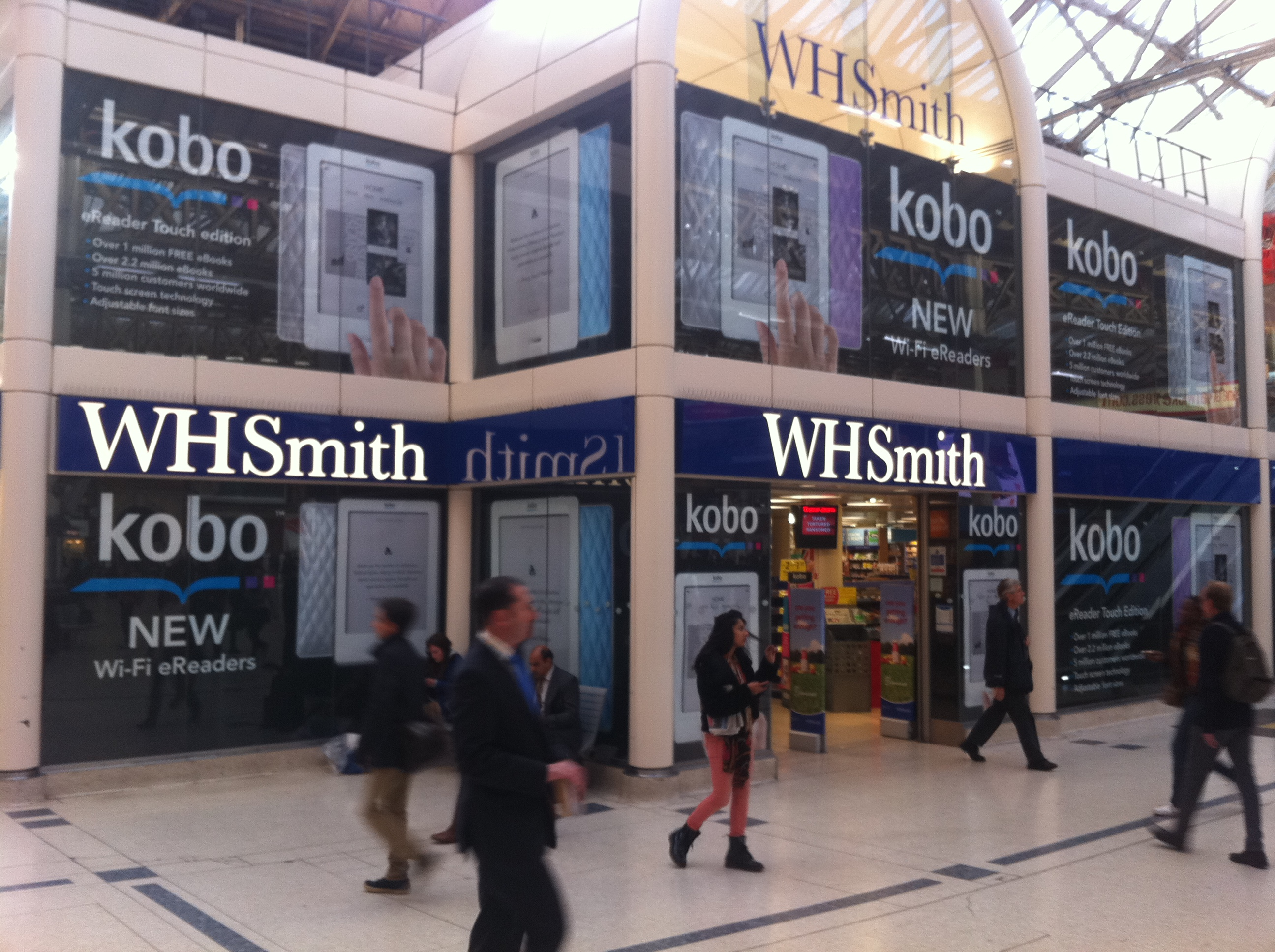 Wh smith to include kobo reader outlets in 100 of its uk stores solutioingenieria Images